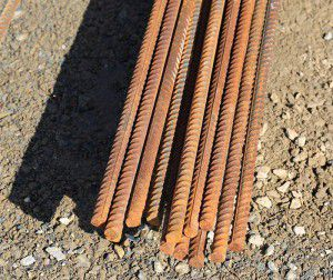 Rebar as a ground rod in electric fencing